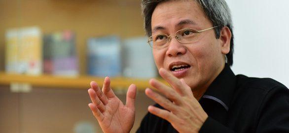 Nhà giáo Giản Tư Trung chia sẻ về nghề giáo, nhà giáo - Ảnh: QUANG ĐỊNH