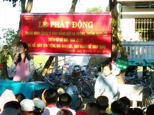 Cô Huỳnh Thị Lan - Tổng phụ trách Đội phát động tháng bình đẳng giới
