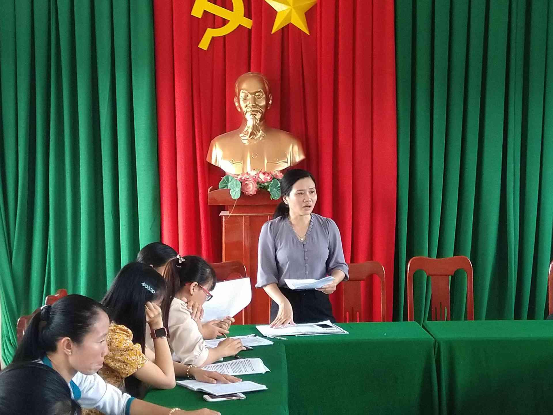 Cô Nguyễn Thị Mỹ Hạnh triển khai kế hoạch chuyên môn năm học 2020-2021.