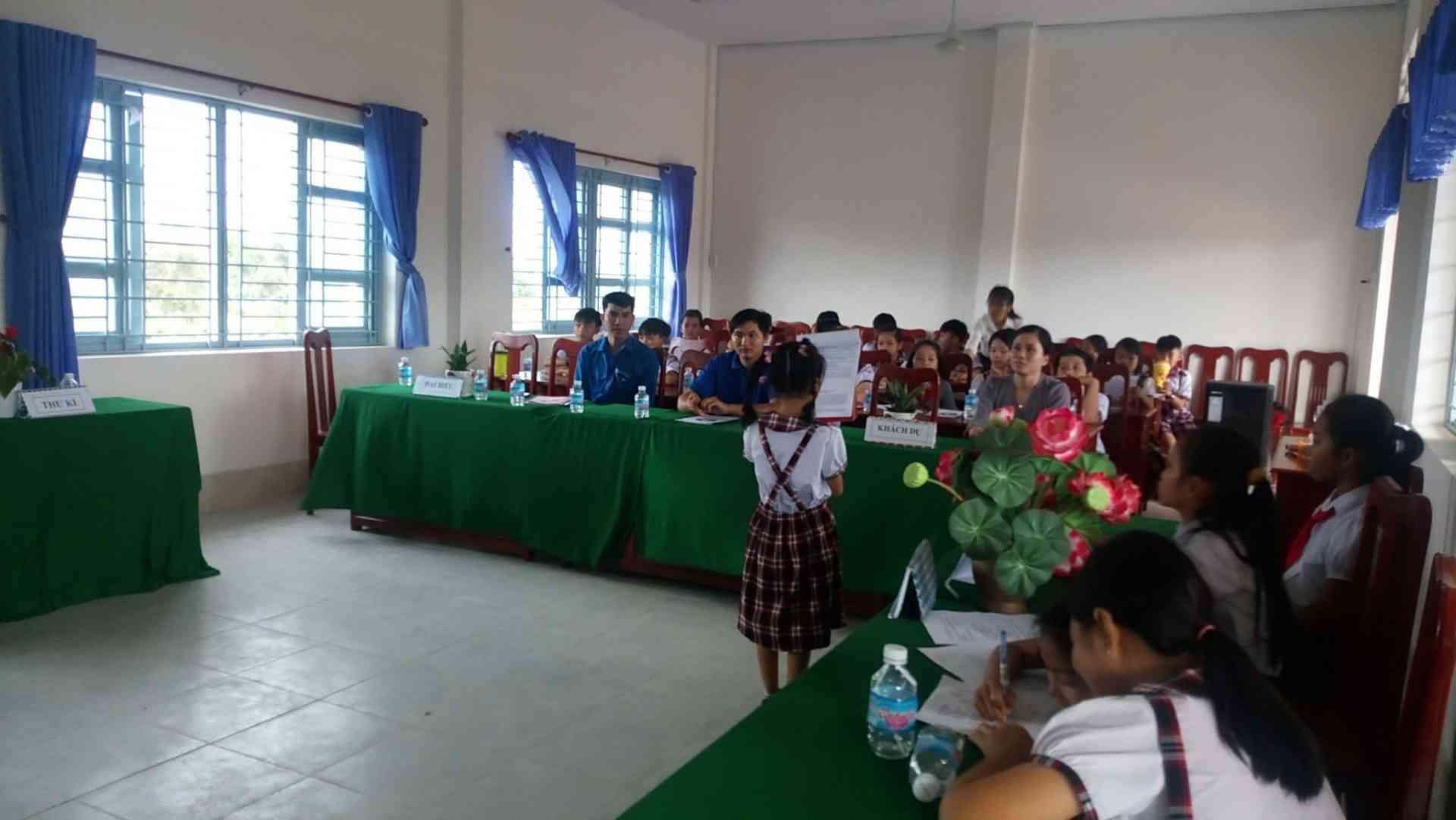 Đoàn khách dư và 30 đại biểu tham dự